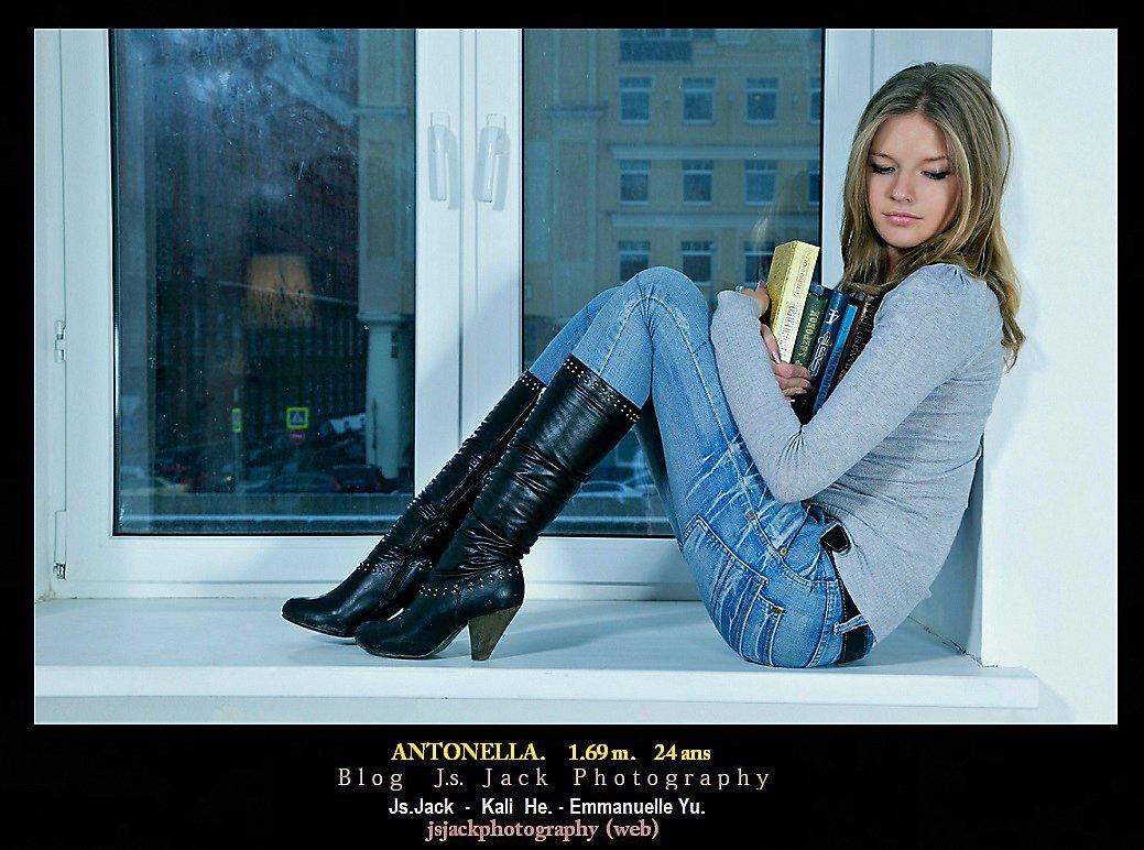 Antonella 001
