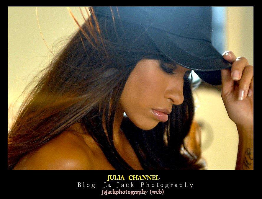 Julia Channel VV1