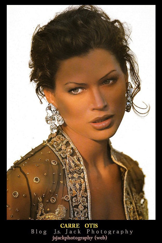 Carre Otis 01