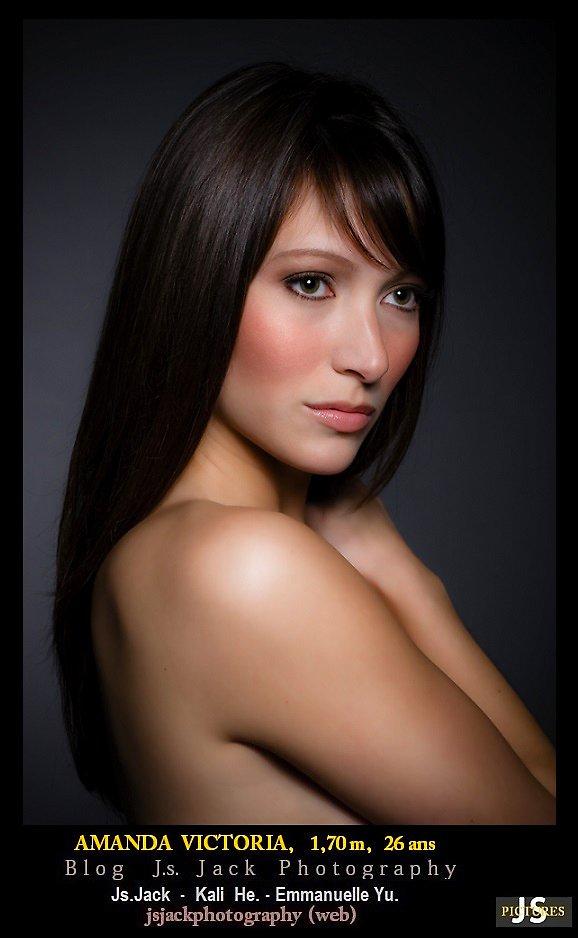 Amanda Victoria 002