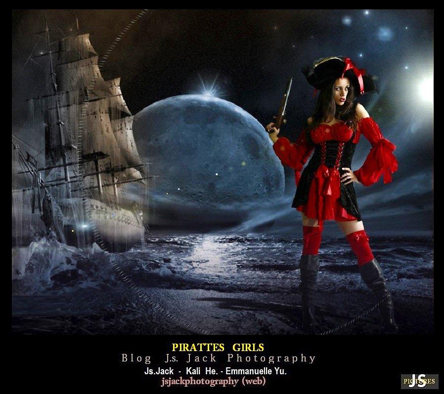 Pirates Girls 001