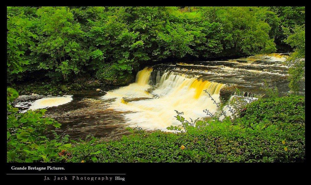 Grande Bretagne Aysgarth Falls 02