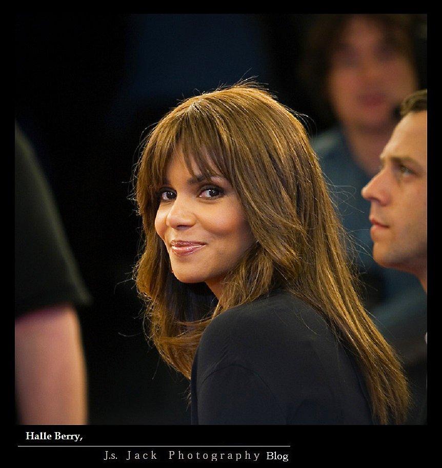 Halle Berry 001