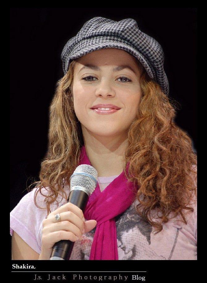 Shakira 001