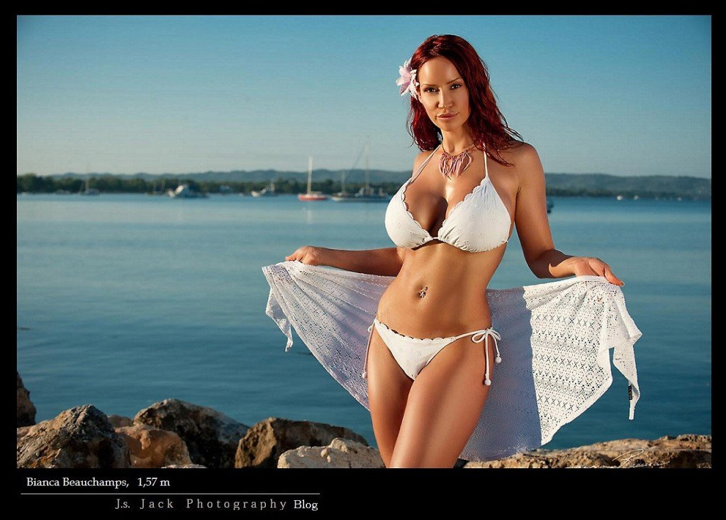 Bianca Beauchamps 001